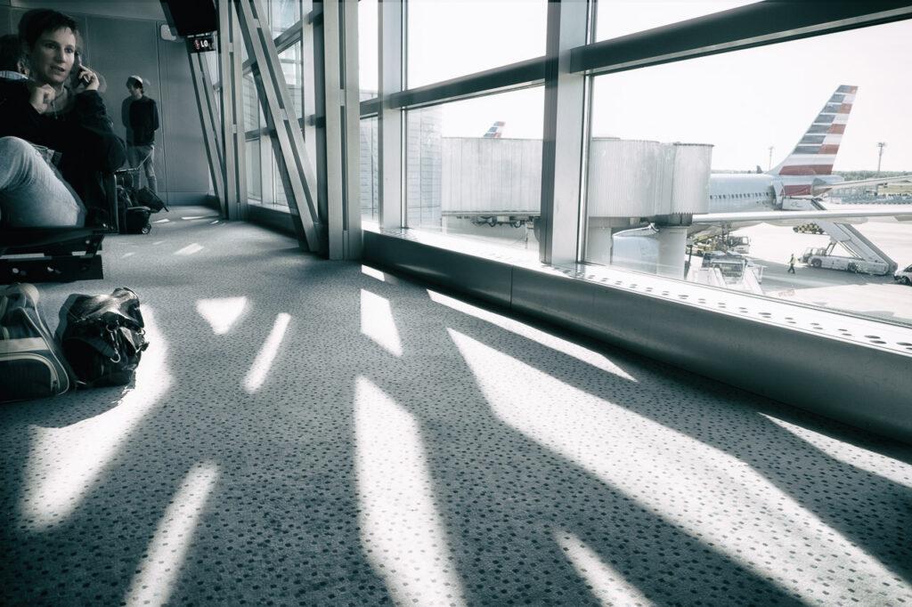 Streetfotografie Airport Serie Bild 1