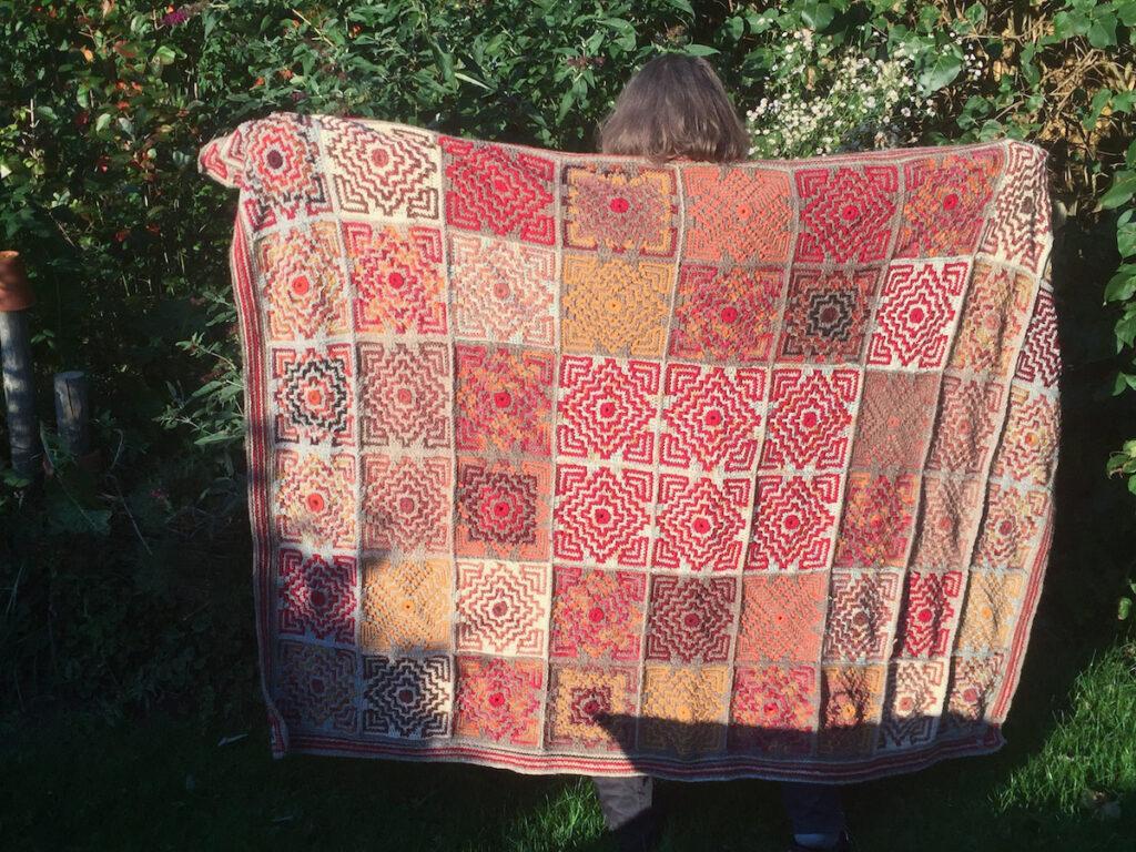 Terrazzo Afghan rot design Tinna Thorudottir